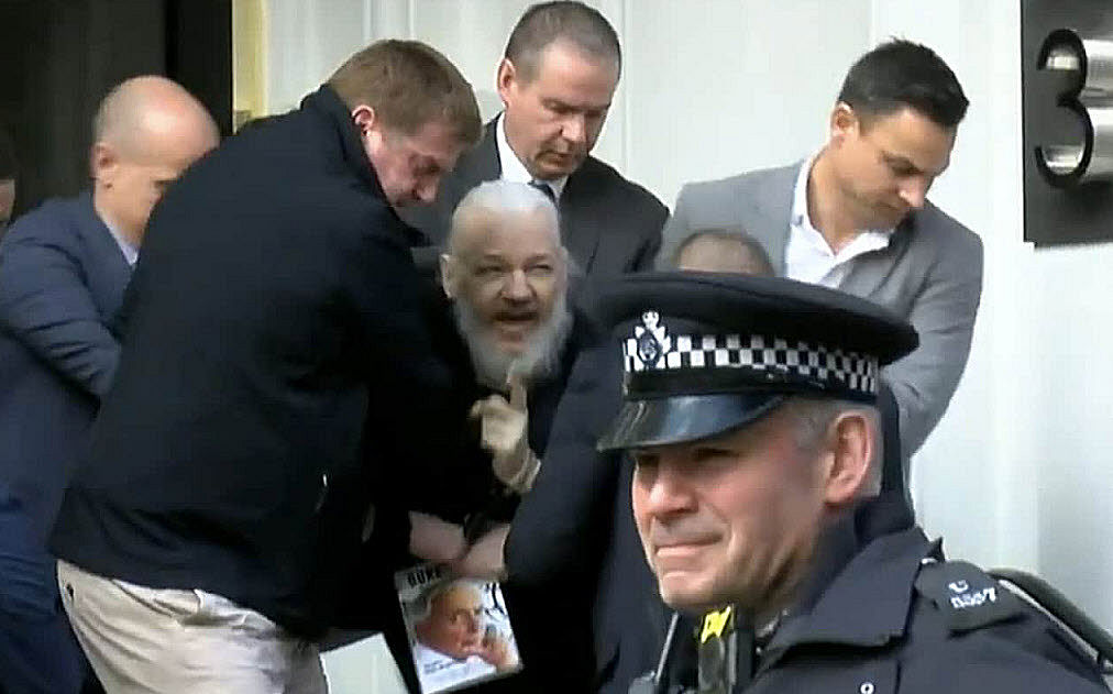 Wikileaks Assange Arrested U.S. Warrant